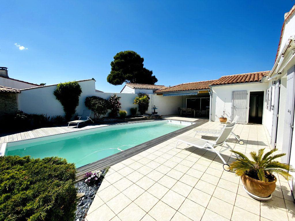 Maison à vendre 6 160m2 à Sainte-Marie-de-Ré vignette-12
