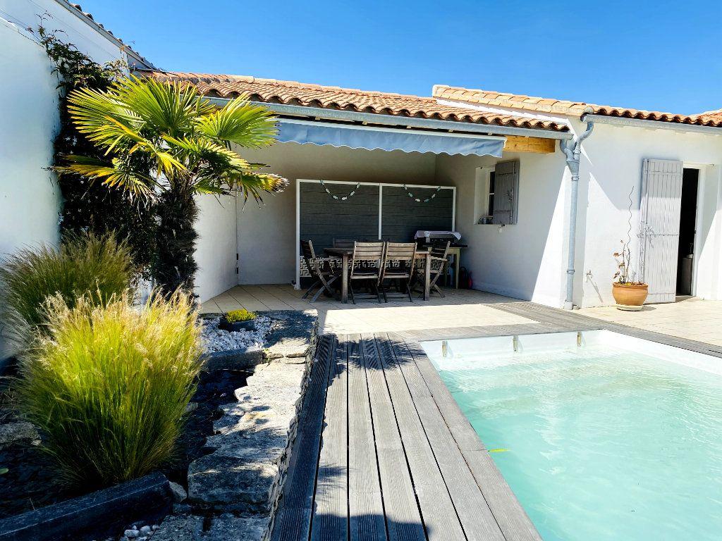Maison à vendre 6 160m2 à Sainte-Marie-de-Ré vignette-13