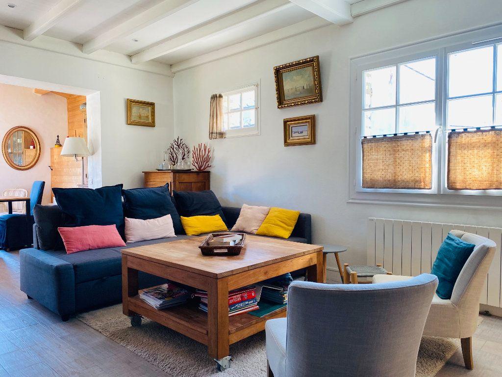 Maison à vendre 5 102m2 à Saint-Clément-des-Baleines vignette-7
