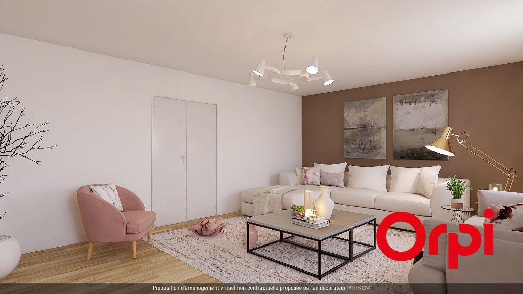 Appartement à vendre 5 112m2 à Saint-Genis-Laval vignette-3