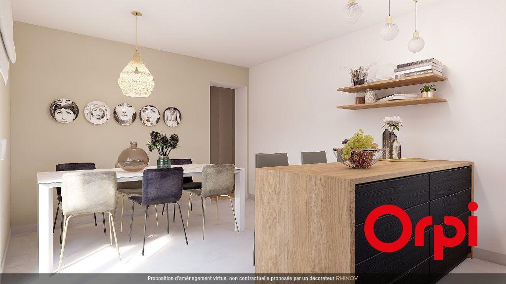 Appartement à vendre 5 112m2 à Saint-Genis-Laval vignette-5