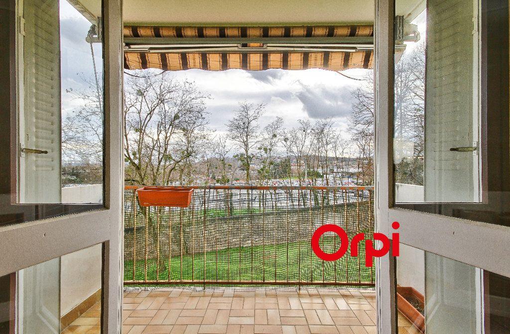 Appartement à vendre 3 68.31m2 à Pierre-Bénite vignette-3