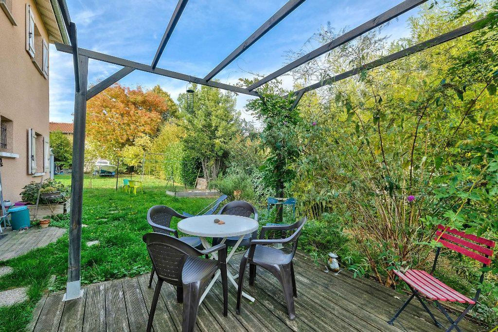 Maison à vendre 9 205m2 à Saint-Genis-Laval vignette-9