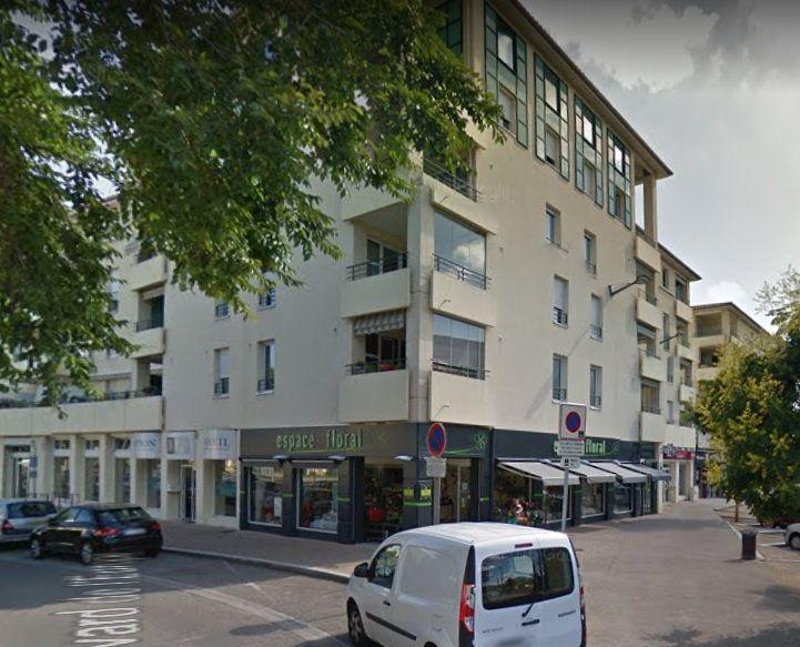 Stationnement à vendre 0 13m2 à Pierre-Bénite vignette-1