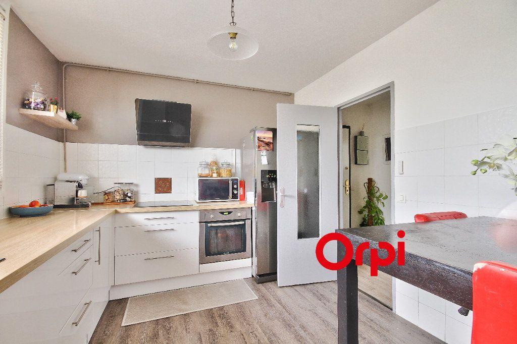 Appartement à vendre 4 83.51m2 à Pierre-Bénite vignette-4