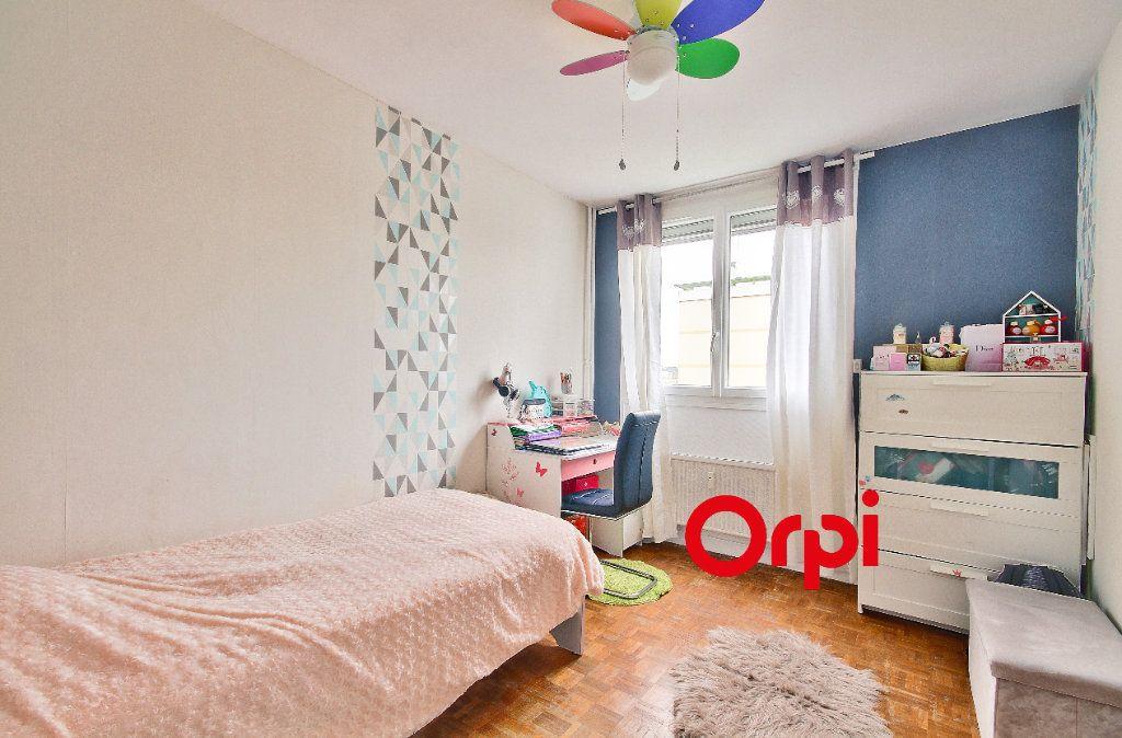 Appartement à vendre 4 83.51m2 à Pierre-Bénite vignette-8