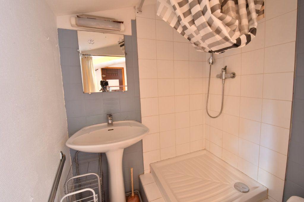 Appartement à louer 1 7.44m2 à Lyon 6 vignette-4