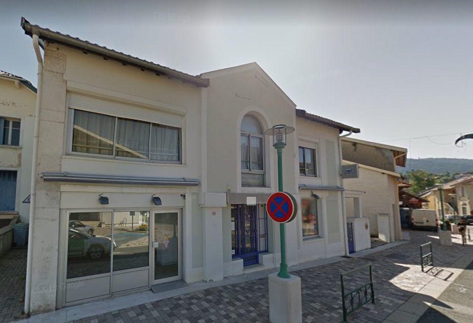 Immeuble à vendre 0 321.37m2 à Hauteville-Lompnes vignette-1