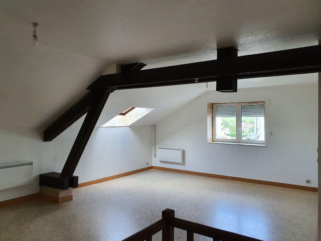 Immeuble à vendre 0 321.37m2 à Hauteville-Lompnes vignette-2