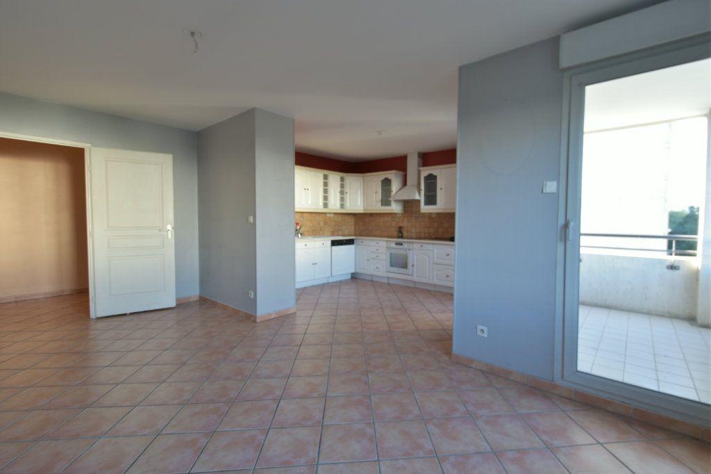 Appartement à vendre 4 83m2 à Lyon 7 vignette-1