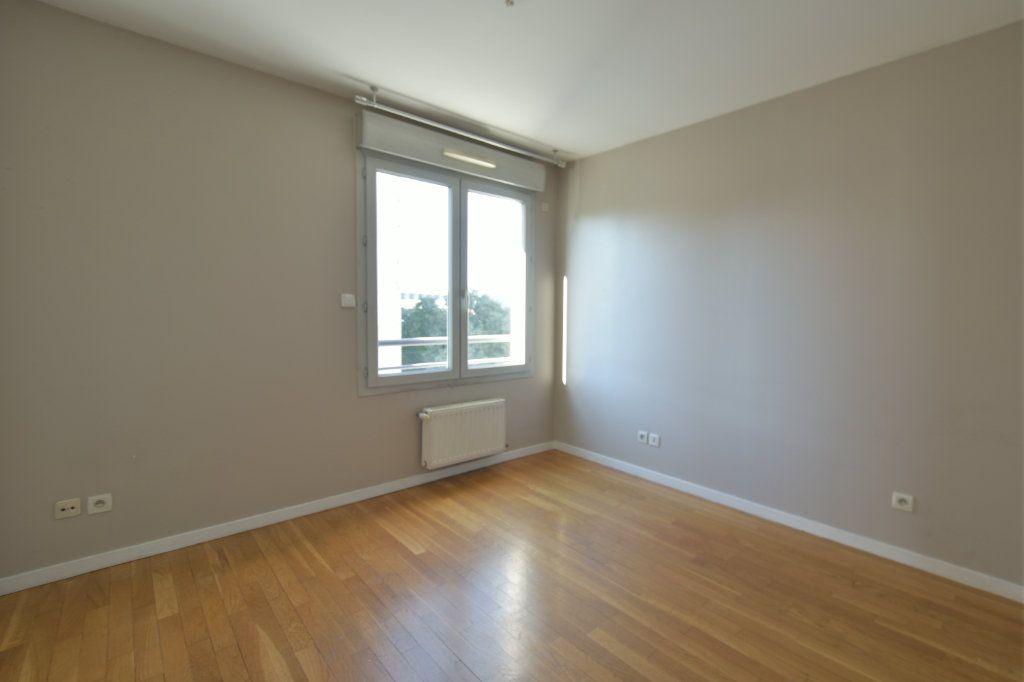 Appartement à vendre 4 83m2 à Lyon 7 vignette-7