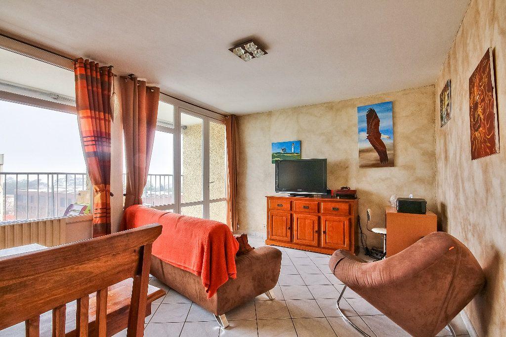 Appartement à vendre 4 77.02m2 à Caluire-et-Cuire vignette-1