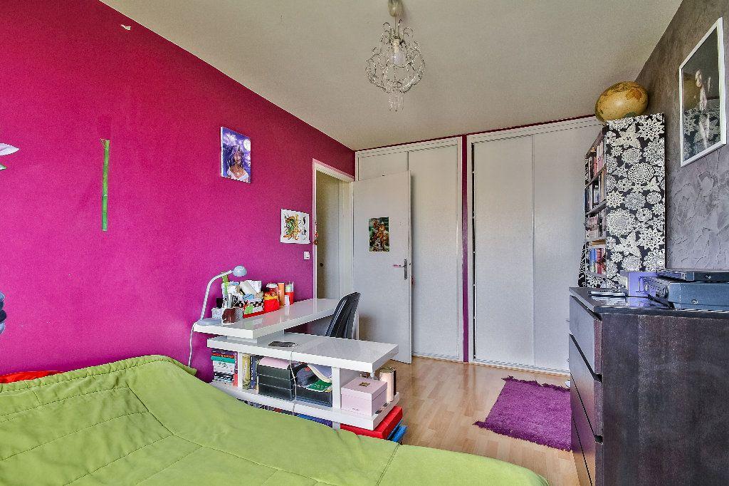 Appartement à vendre 4 77.02m2 à Caluire-et-Cuire vignette-7