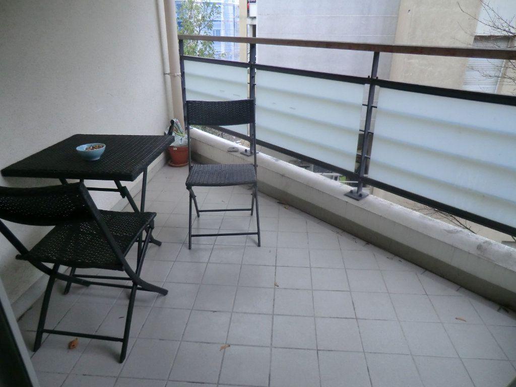 Appartement à vendre 3 64m2 à Caluire-et-Cuire vignette-8