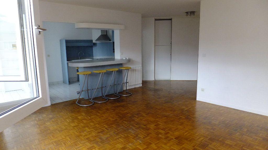 Appartement à vendre 3 73.25m2 à Caluire-et-Cuire vignette-3