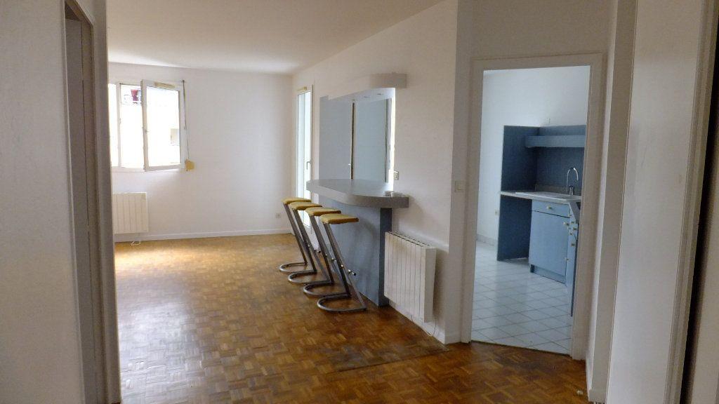 Appartement à vendre 3 73.25m2 à Caluire-et-Cuire vignette-4
