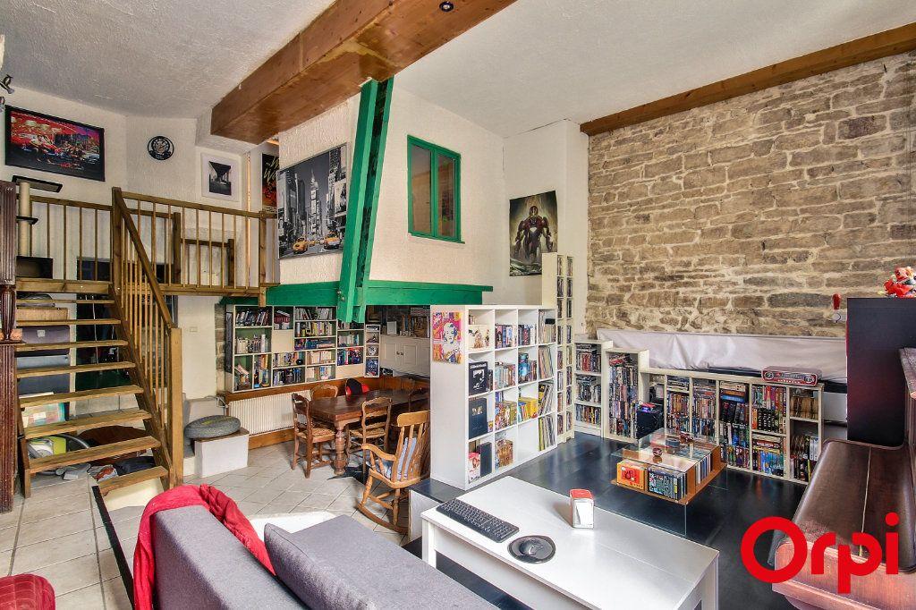 Appartement à vendre 3 76.03m2 à Caluire-et-Cuire vignette-1