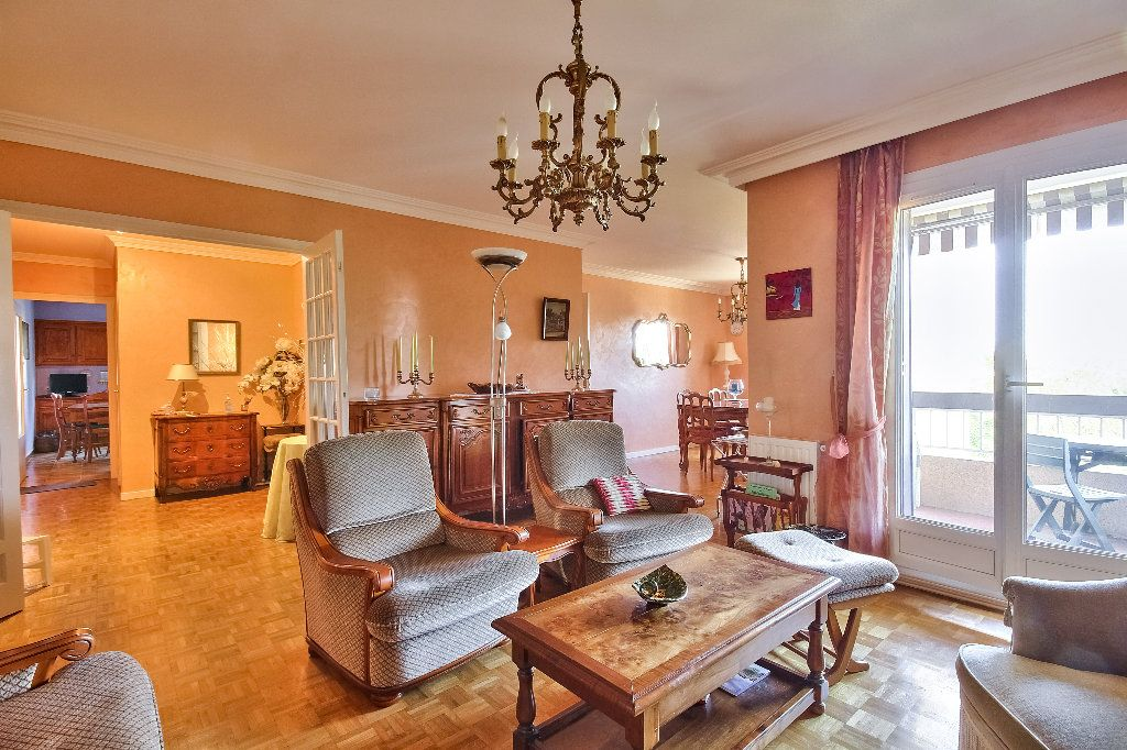 Appartement à vendre 5 109.07m2 à Sainte-Foy-lès-Lyon vignette-2