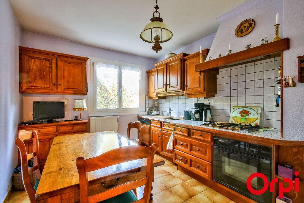 Appartement à vendre 5 109.07m2 à Sainte-Foy-lès-Lyon vignette-7