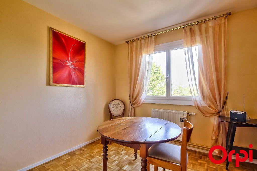 Appartement à vendre 5 109.07m2 à Sainte-Foy-lès-Lyon vignette-8