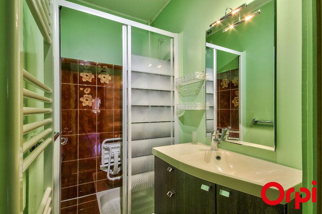 Appartement à vendre 5 109.07m2 à Sainte-Foy-lès-Lyon vignette-13
