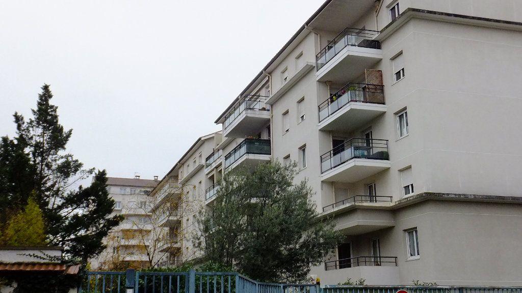 Appartement à vendre 2 52.01m2 à Villeurbanne vignette-1