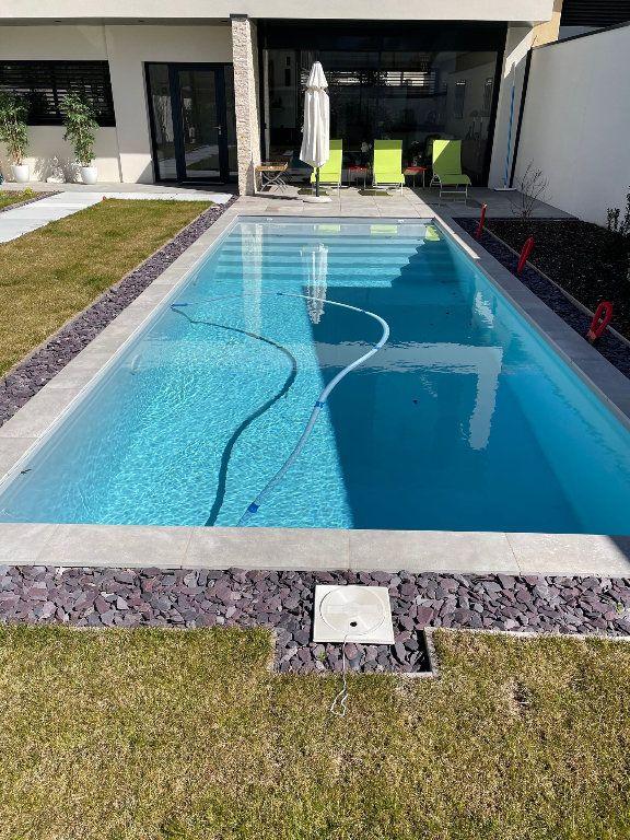Maison à vendre 6 175m2 à Caluire-et-Cuire vignette-3