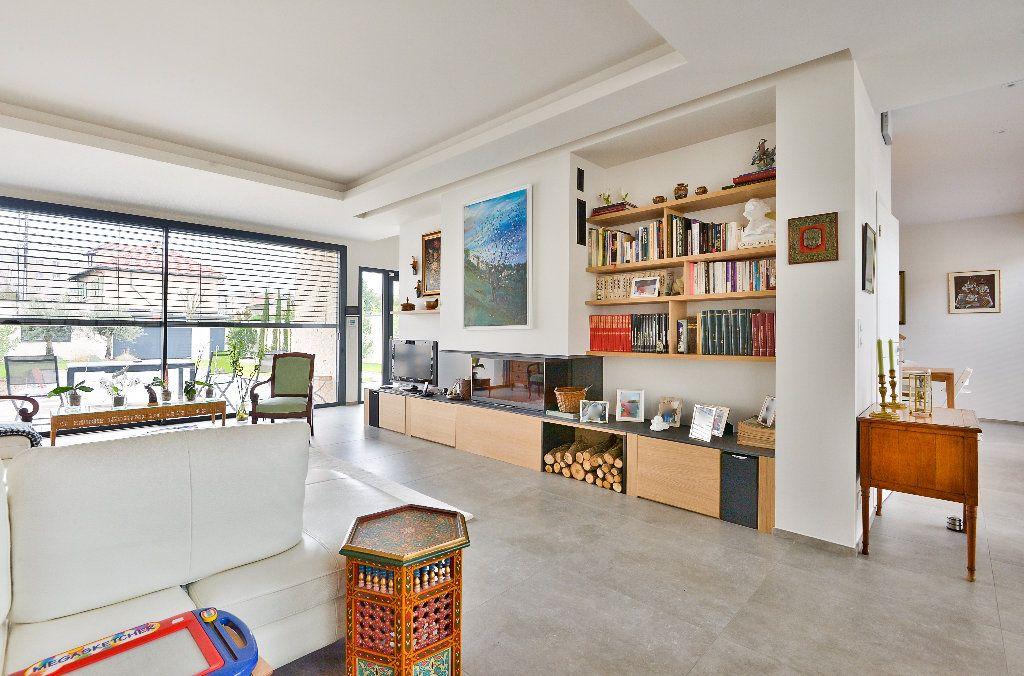 Maison à vendre 6 175m2 à Caluire-et-Cuire vignette-6