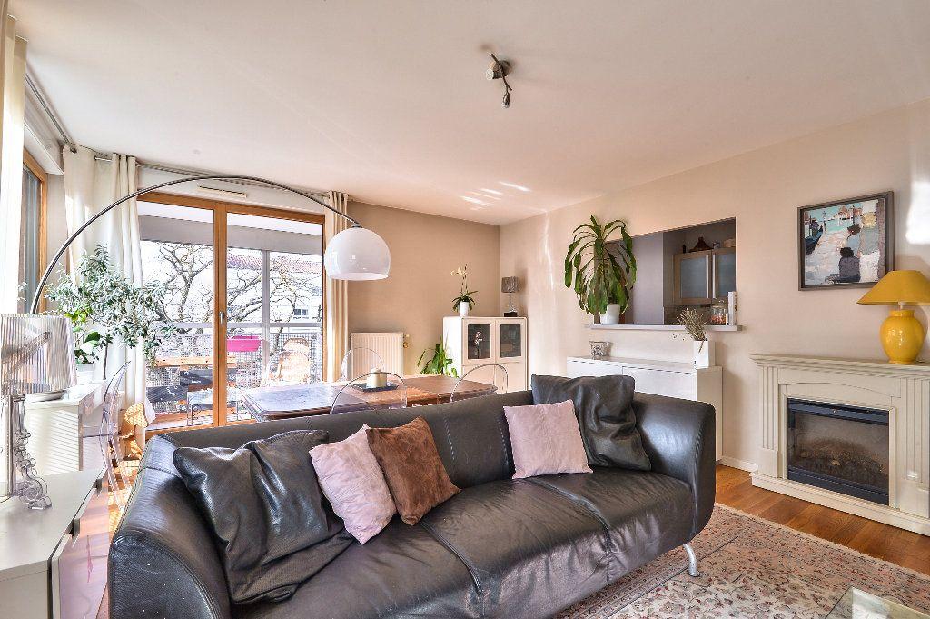 Appartement à vendre 4 95.6m2 à Caluire-et-Cuire vignette-3