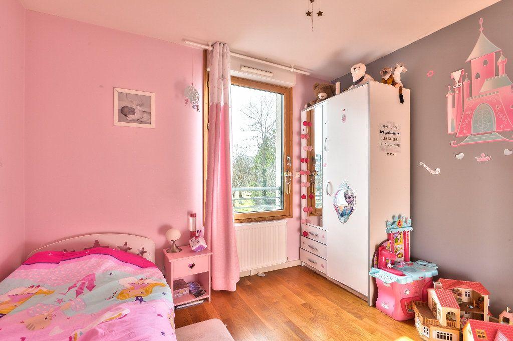 Appartement à vendre 4 95.6m2 à Caluire-et-Cuire vignette-7
