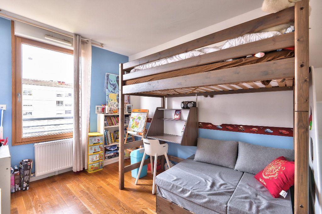 Appartement à vendre 4 95.6m2 à Caluire-et-Cuire vignette-11