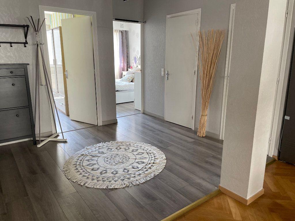 Appartement à vendre 3 70m2 à Lyon 6 vignette-3