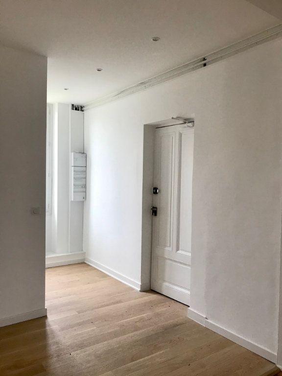 Appartement à vendre 4 129m2 à Caluire-et-Cuire vignette-8