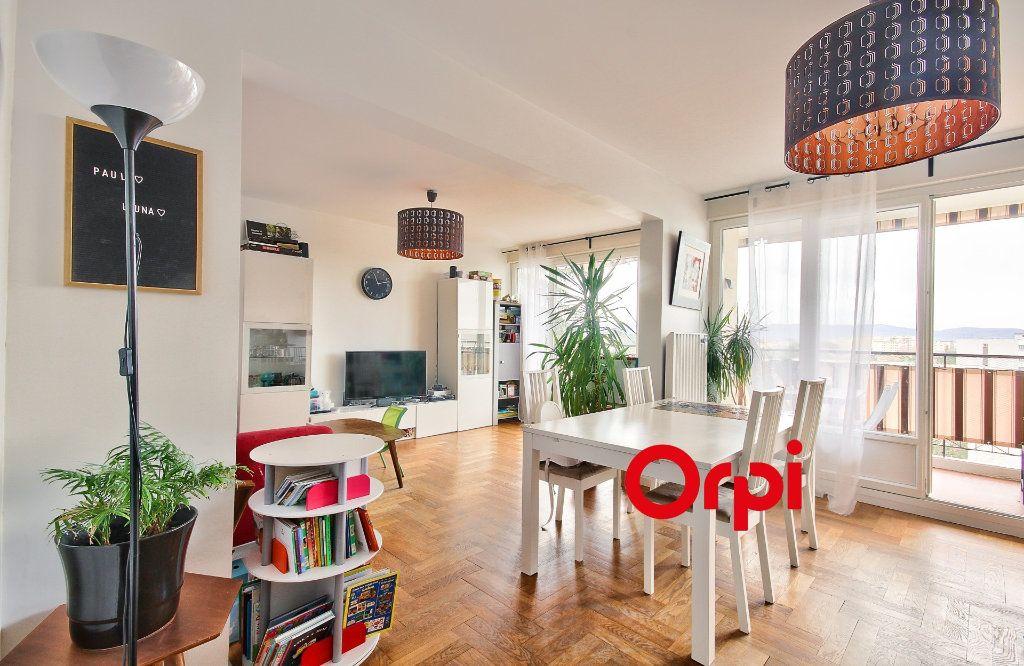 Appartement à vendre 5 102.46m2 à Sainte-Foy-lès-Lyon vignette-2
