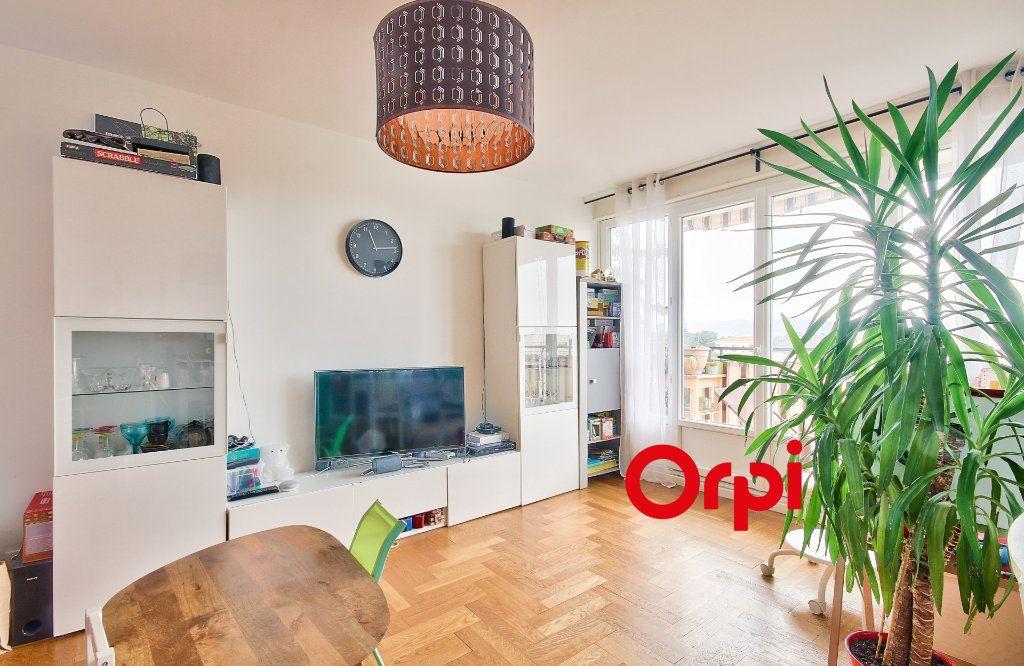 Appartement à vendre 5 102.46m2 à Sainte-Foy-lès-Lyon vignette-3