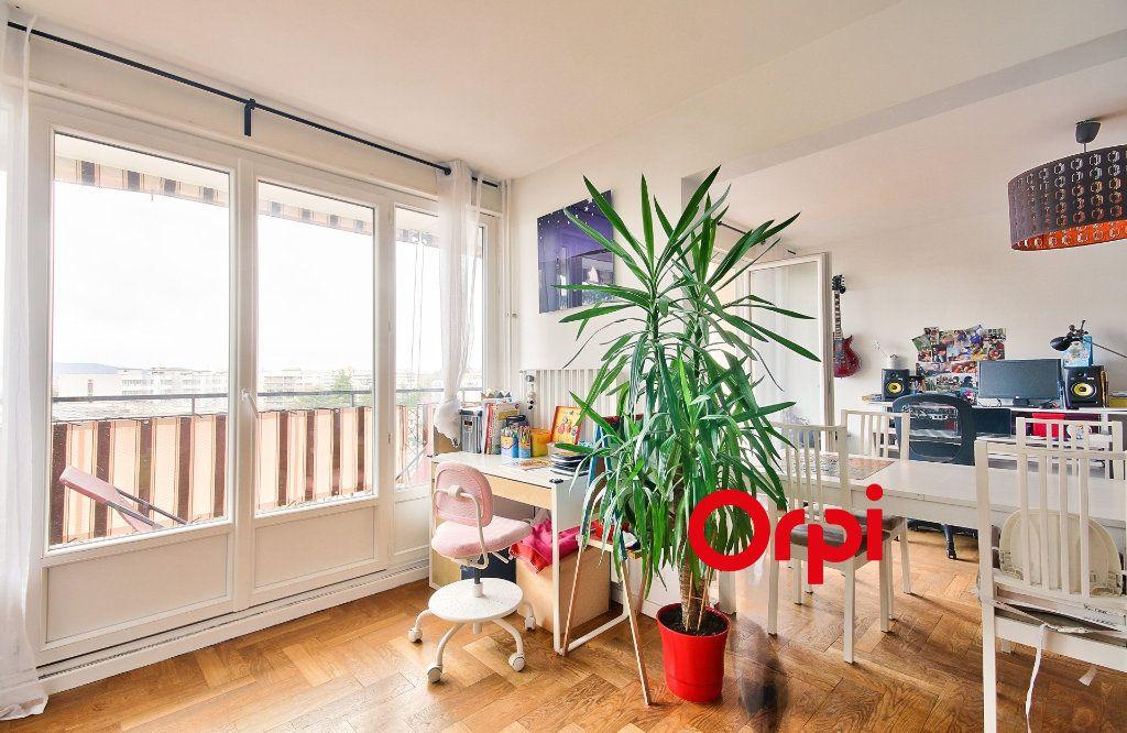 Appartement à vendre 5 102.46m2 à Sainte-Foy-lès-Lyon vignette-4