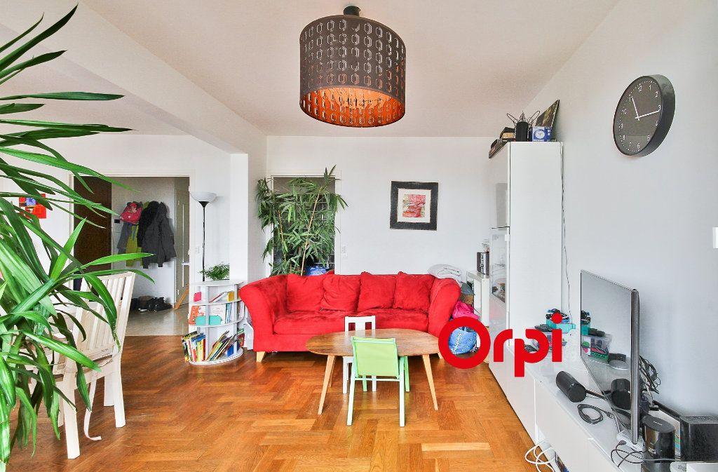 Appartement à vendre 5 102.46m2 à Sainte-Foy-lès-Lyon vignette-5