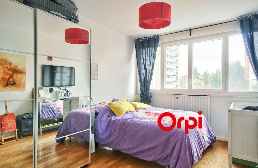 Appartement à vendre 5 102.46m2 à Sainte-Foy-lès-Lyon vignette-9
