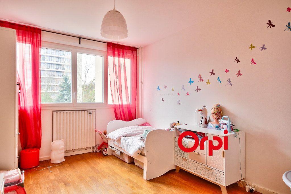 Appartement à vendre 5 102.46m2 à Sainte-Foy-lès-Lyon vignette-11