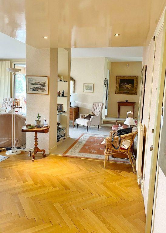 Appartement à vendre 6 168.02m2 à Sainte-Foy-lès-Lyon vignette-1