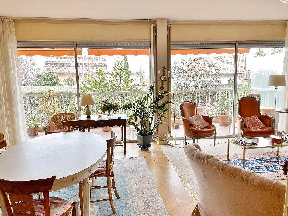 Appartement à vendre 6 168.02m2 à Sainte-Foy-lès-Lyon vignette-2