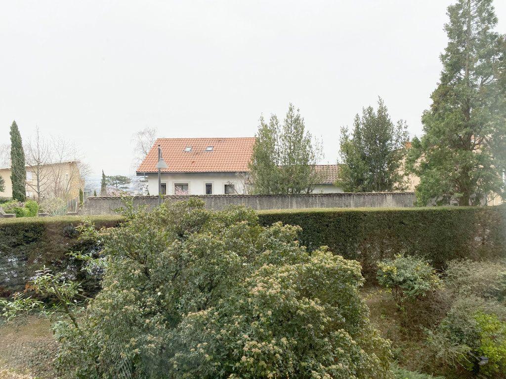 Appartement à vendre 6 168.02m2 à Sainte-Foy-lès-Lyon vignette-3