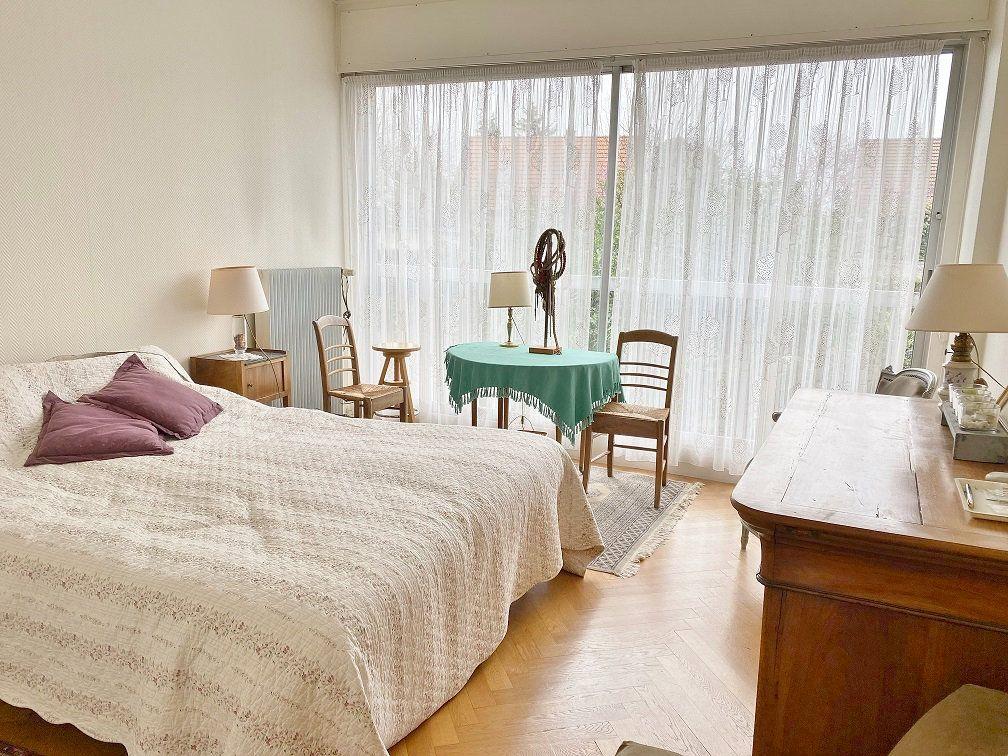 Appartement à vendre 6 168.02m2 à Sainte-Foy-lès-Lyon vignette-9