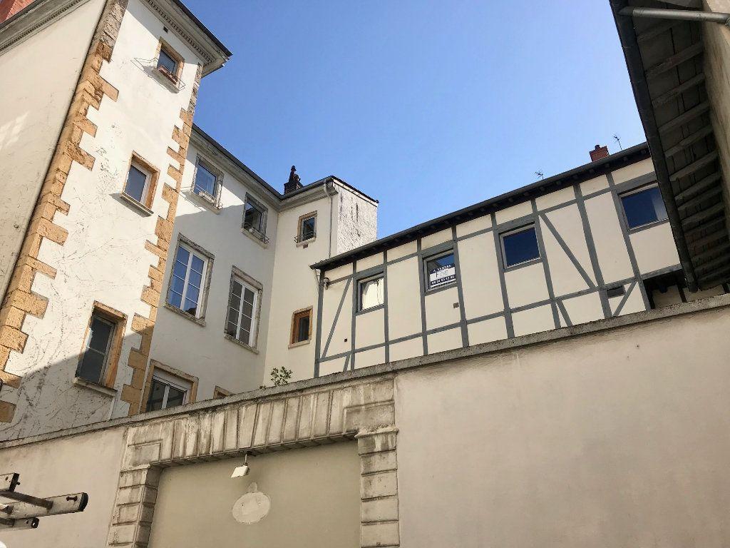 Appartement à vendre 4 139m2 à Lyon 2 vignette-1
