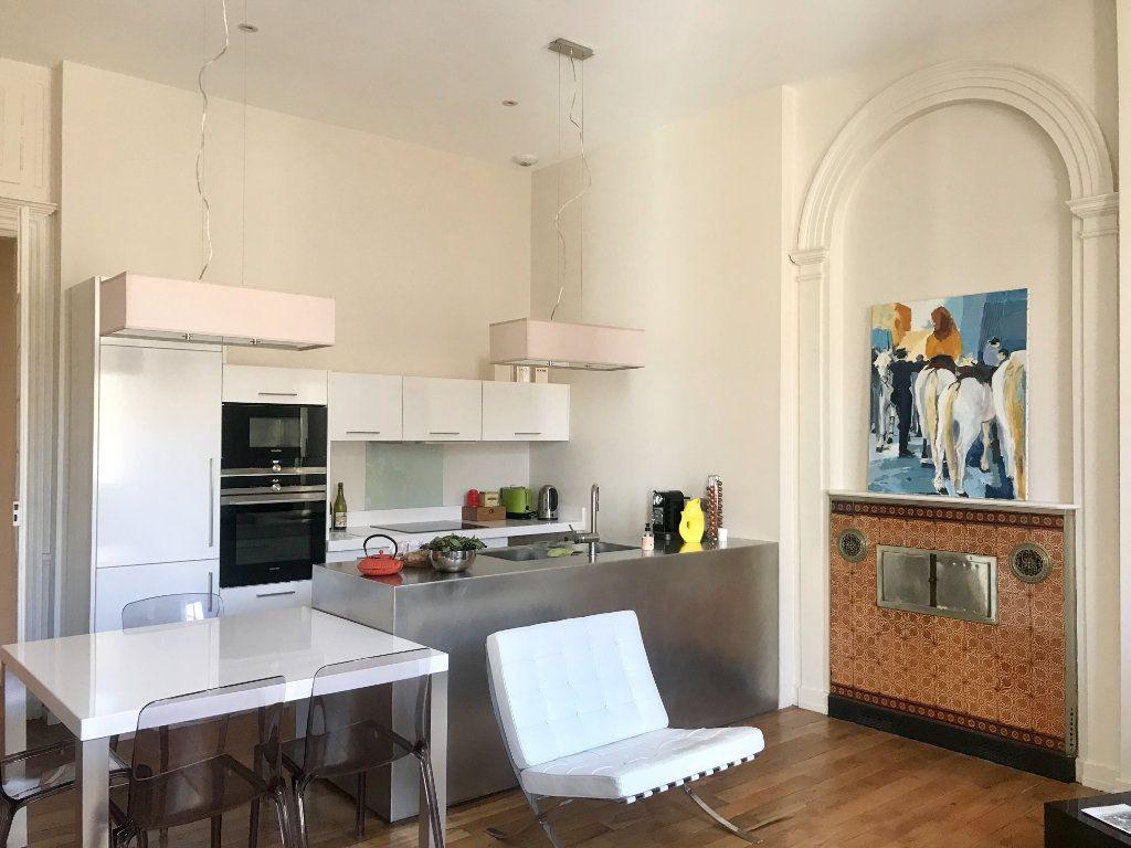 Appartement à vendre 4 139m2 à Lyon 2 vignette-4