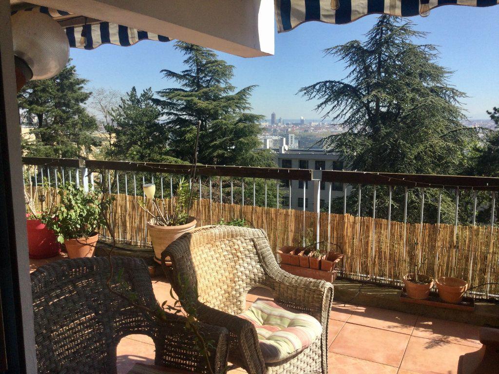 Appartement à vendre 7 148m2 à Sainte-Foy-lès-Lyon vignette-1