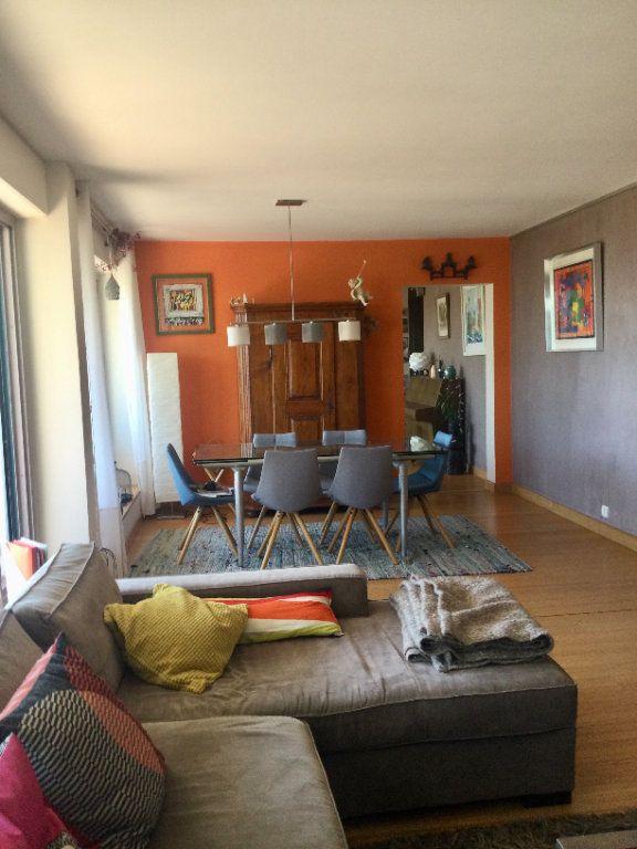Appartement à vendre 7 148m2 à Sainte-Foy-lès-Lyon vignette-4