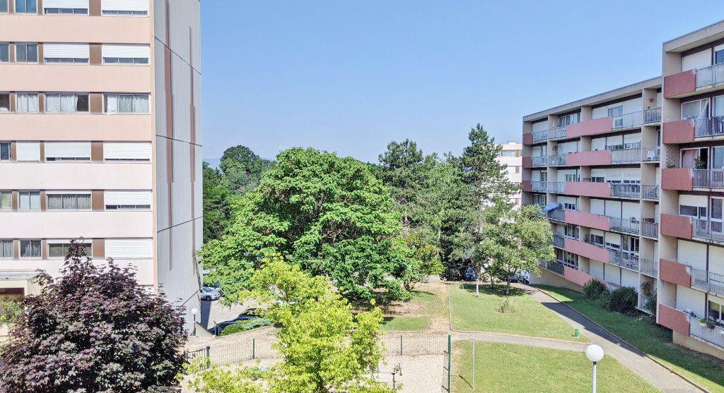Appartement à vendre 4 82.16m2 à Sainte-Foy-lès-Lyon vignette-1