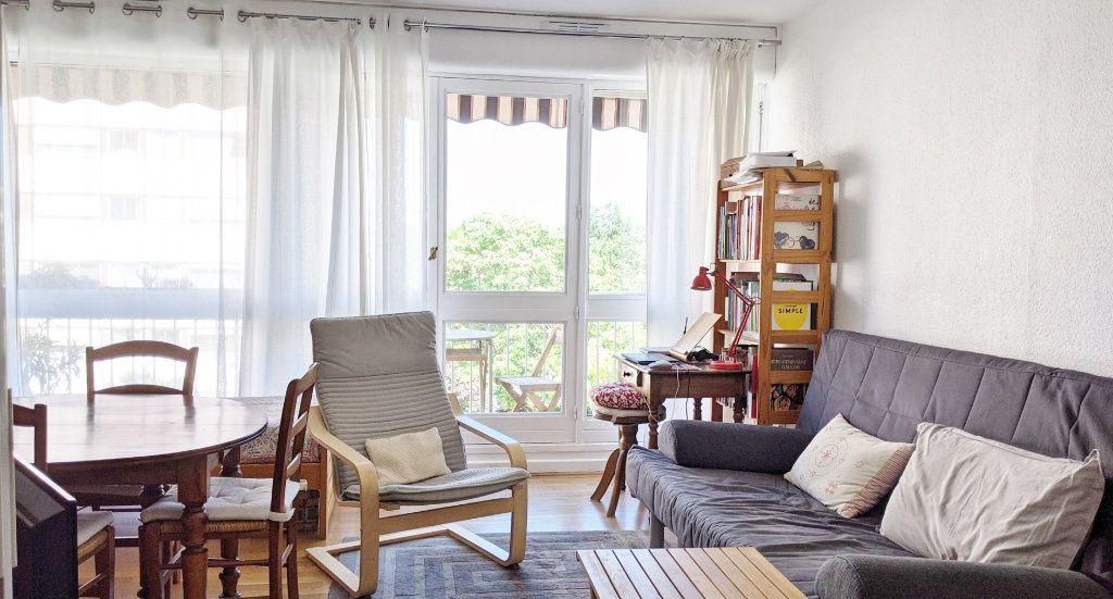 Appartement à vendre 4 82.16m2 à Sainte-Foy-lès-Lyon vignette-4