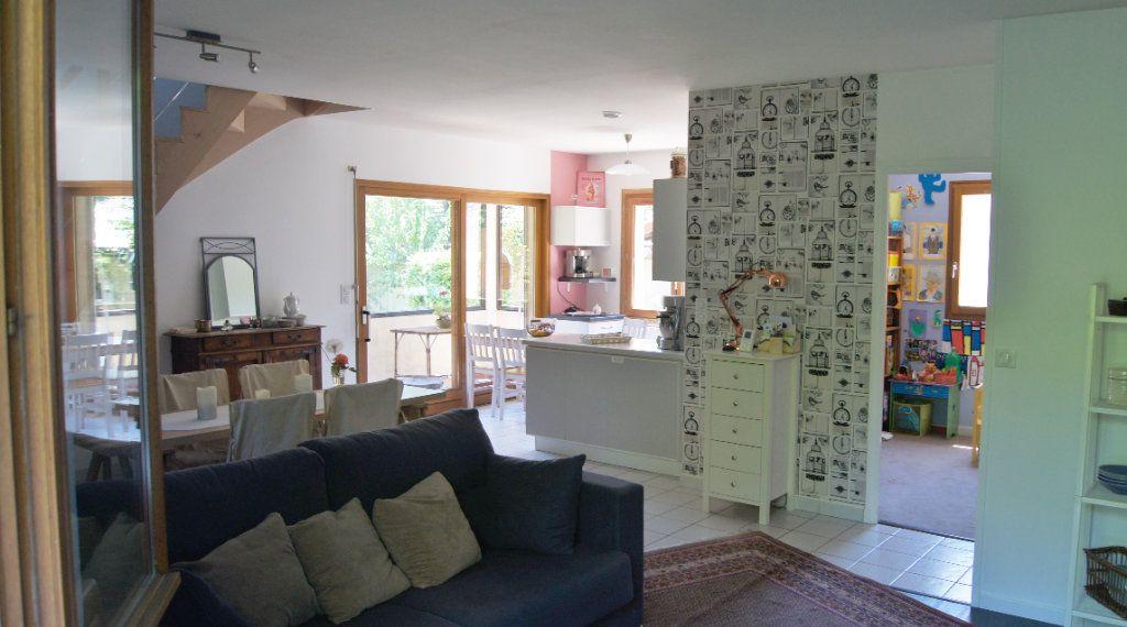 Maison à vendre 5 120m2 à Tassin-la-Demi-Lune vignette-3
